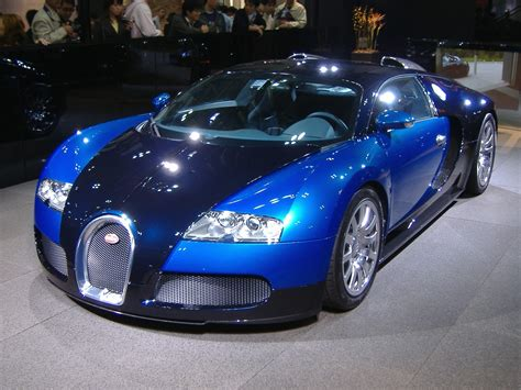 El récord rompe la barrera psicológica de las 300 millas por hora. File:Bugatti veyron in Tokyo.jpg - Wikimedia Commons