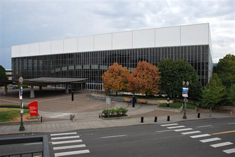 File:Portland Memorial Coliseum wide view from east ...