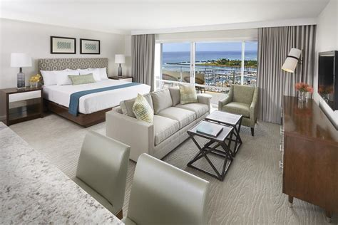 ilikai hotel luxury suites honolulu  bookingcom