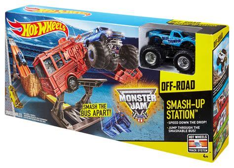 monster truck race track toy wheels monster jam smash up station track set