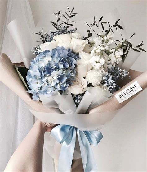 32 glamorously packaged bouquets that will surprise your