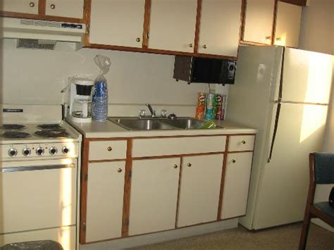 cabinets to go myrtle beach outside facing picture of court capri motel myrtle