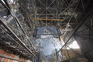 Second Platform for NASA's Space Launch System Lifted into ...