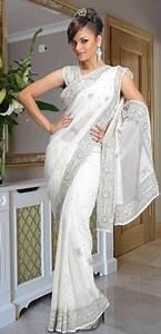 White Wedding Saree | Wedding - Nikkah | Pinterest | Saree ...