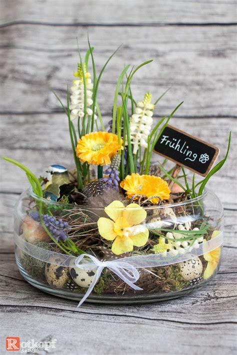 kunstblumen pflanzen fruehling im glas ein