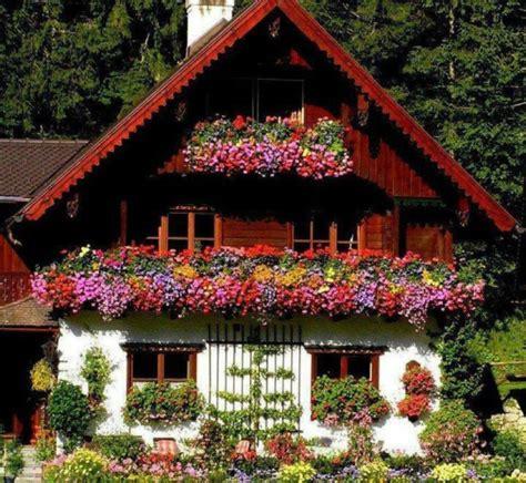deco chambre etudiant le confort et la beauté du chalet suisse en photos