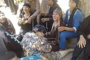 Egypt shooting: 28 shot on bus carrying Coptic Christians ...
