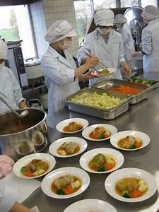 寒い日に煮込み料理って良いですね♪ - NEWS - 生活科学学科 食物栄養専攻 - 学科・専攻紹介 - 仁愛女子短期大学