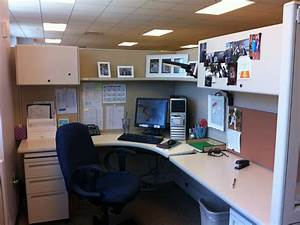 Cubicle decor to spruce your energy my office ideas for Cubicle decorating ideas office