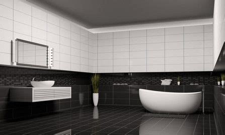 Ein Badezimmer In Schwarzweiß