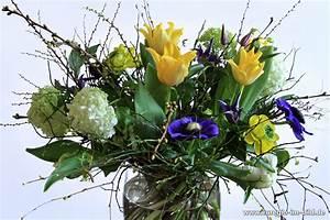 Bilder Von Blumenstrauß : fr hlings blumenstrau von ulrike hager f r den monat m rz euregio im bild ~ Buech-reservation.com Haus und Dekorationen