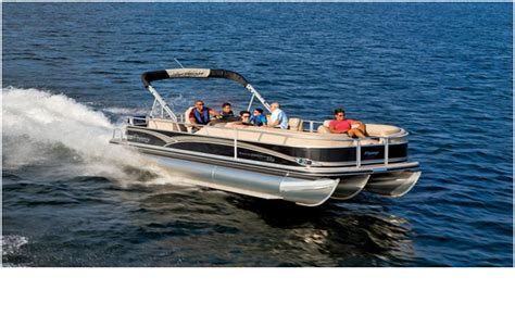 Bass Pro Shop Used Pontoon Boats by Tritoon Vs Pontoon Which One Is Right For You Bass