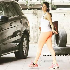Jhanvi Kapoor Hot Pics