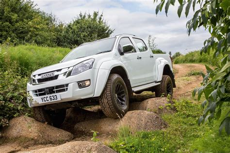 Explore the range, get prices & offers, build your dream vehicle and discover everything you need to go your own way. ISUZU D-Max Arctic Trucks AT35 specs & photos - 2016, 2017 ...