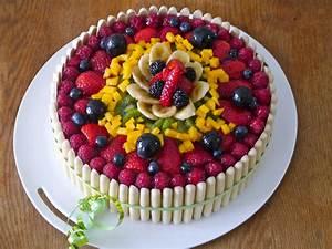 Gateau D Anniversaire : g teau d anniversaire aux fruits mes recettes tout ~ Melissatoandfro.com Idées de Décoration