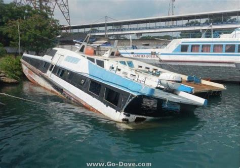 Salvage Boats For Sale by Hbil Used Passenger Boats For Salvage Goindustry Dovebid