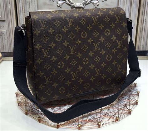 lv messenger bag lv man bag louis vuitton crossbody bag men replica bags lv monogram macassar