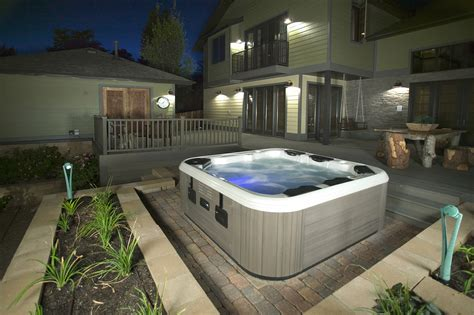 Backyard With Tub by Tub Hottubfireplace