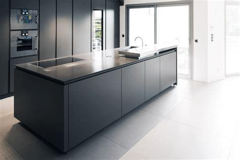 mod鑞e de plan de travail pour cuisine cuisine avec ilot central plaque de cuisson maison design bahbe com
