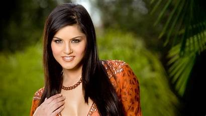 Sunny Leone Wallpapers 1600