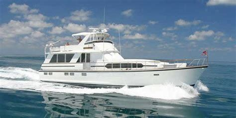Fishing Boat Rentals In Michigan by Chicago Boat Rental Book A Chartered Yacht And Cruise