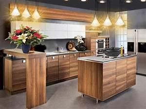 Idee deco une cuisine en bois chic et moderne floriane for Idee deco cuisine avec meuble salle a manger contemporain