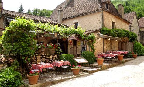 restaurant la tonnelle cirq lapopie location vacances cing vall 233 e du lot tourisme cirq lapopie cahors figeac