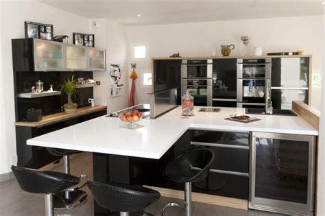 decoration cuisine noir et blanc deco cuisine moderne blanc
