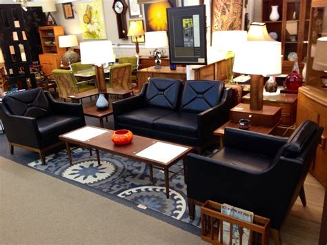 Stellar Vintage Stow And Davis Set Settee And 2 Club
