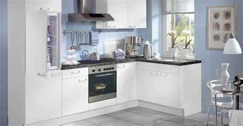 cuisine et blanc cuisine bleu canard et blanc divers besoins de cuisine