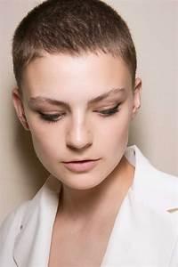 Coupe Courte 2019 Femme : coupe courte blonde automne hiver 2018 les plus belles coupes courtes de 2019 elle ~ Farleysfitness.com Idées de Décoration