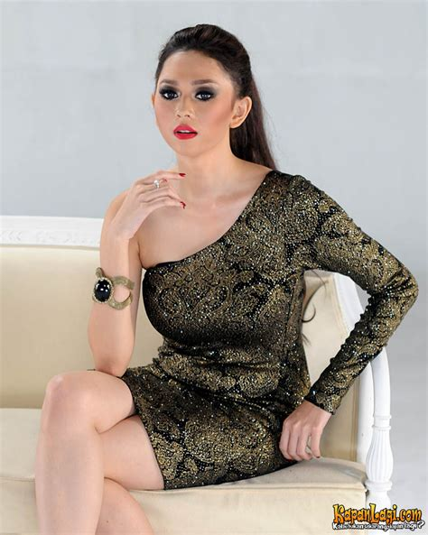 Hot Asian Girls Picture Gallery Aura Kasih Model Hot