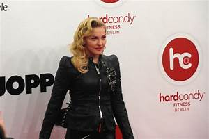 Hard Candy Fitness Berlin : madonna at hard candy fitness in toronto it won 39 t be long now madonnaunderground ~ A.2002-acura-tl-radio.info Haus und Dekorationen