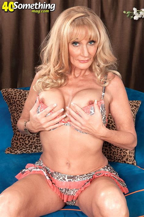 Busty Mum With Real Tight Body Mature Xxx Pics