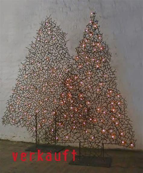 Weihnachtsbaum Aus Draht by Weihnachts Tannenb 228 Ume Aus Draht Beleuchtet