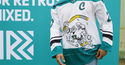 Kings, Ducks embrace past with NHL's 'Reverse Retro ...