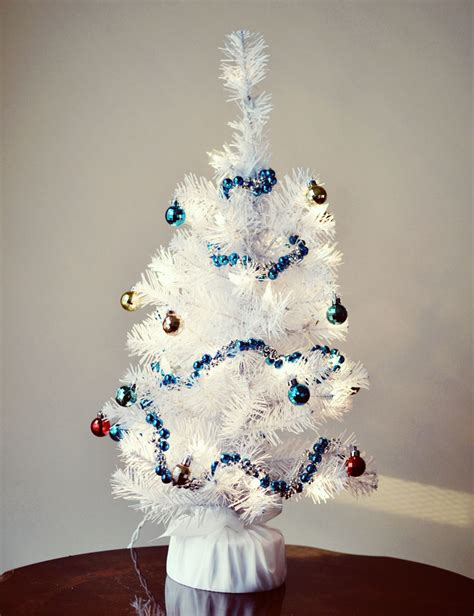 i m dreaming of a white christmas tree bre pea