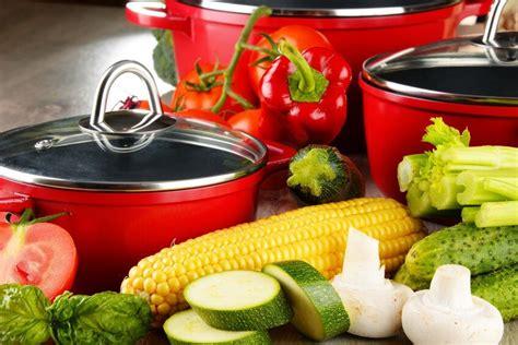 comment cuisiner sainement comment choisir ses casseroles pour cuisiner sainement