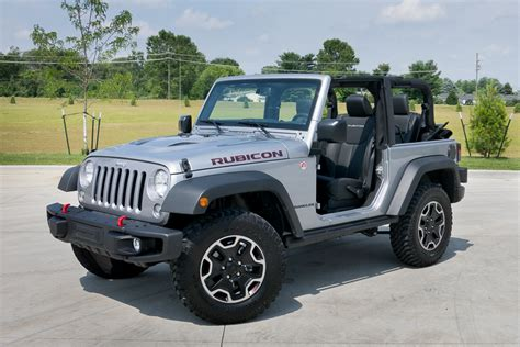 car with no doors the motoring world brand ambassador joins jeep
