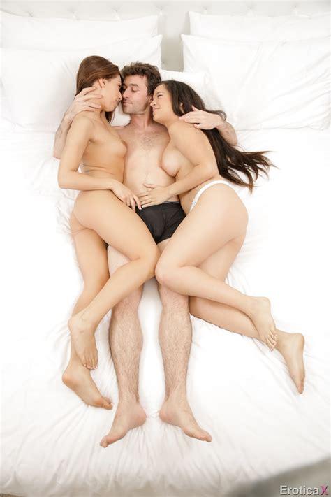 Sara Luv And Caroline Ray Threesome The Guest Erotica X