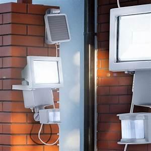 Gartenschrank Für Den Außenbereich : solarlampe f r den au enbereich mit bewegungsmelder lampen ~ Michelbontemps.com Haus und Dekorationen