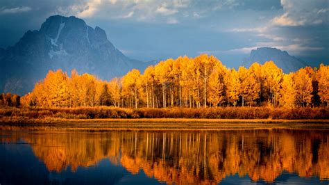 Autumn Lake Wallpapers by Autumn Lake Trees Mountains Wallpapers 2048x1152 1082946