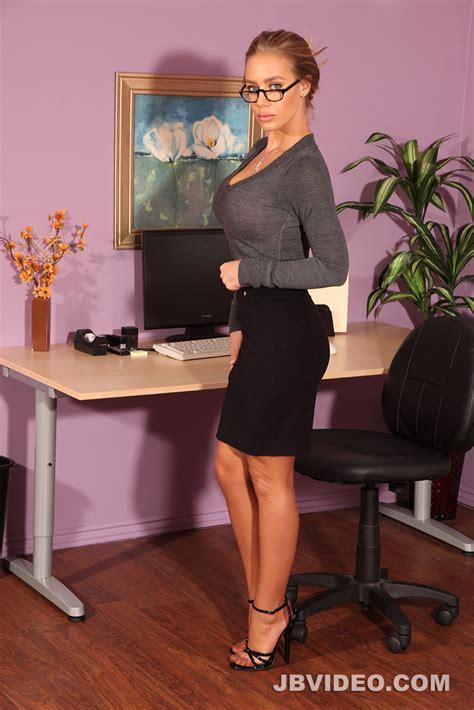 Nicole Aniston Nylon Stockings Tease