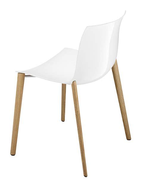 chaises bois blanc chaise empilable catifa 53 coque unie pieds bois blanc