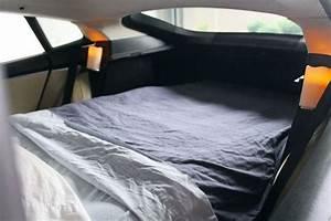Im Auto übernachten : tesla model s als hotelzimmer ~ Kayakingforconservation.com Haus und Dekorationen