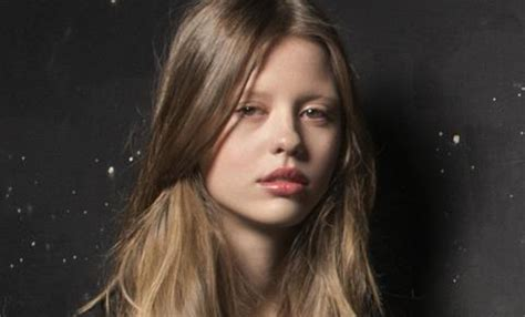mia goth bio height weight age measurements
