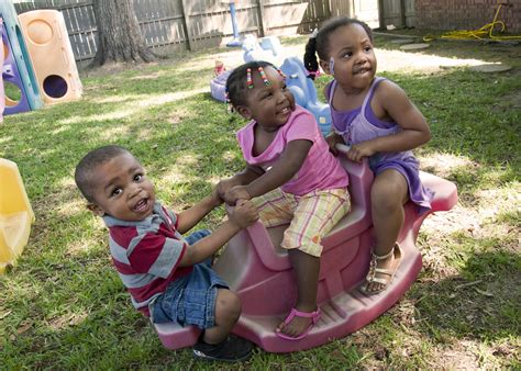 simple precautions make outdoor play safer for 790 | 20140806 heat300