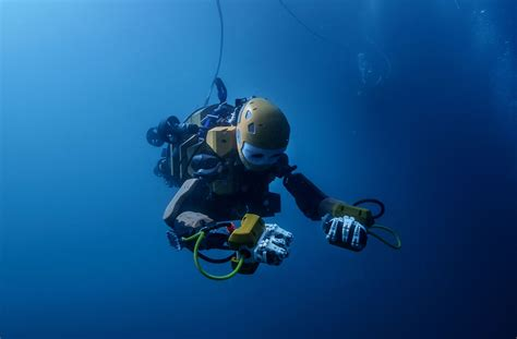 stanfords humanoid diving robot takes  undersea