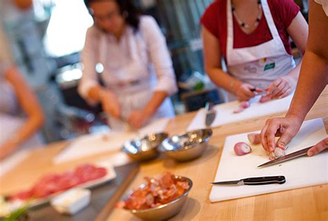 cour de cuisine apprendre la cuisine en prenant des cours