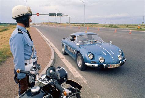 Le jour où la Gendarmerie est passée à l'Alpine A110 ...